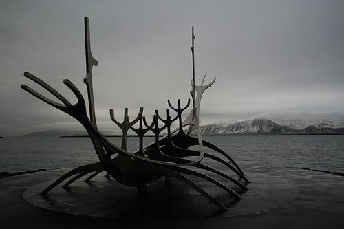 longboat_statue