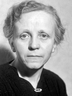 Paula Julie Elisabeth Hertwig (1889 - 1993) 300