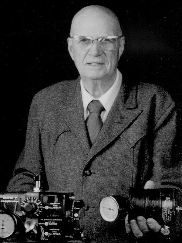 Forrest Morton Bird (1921 – 2015)